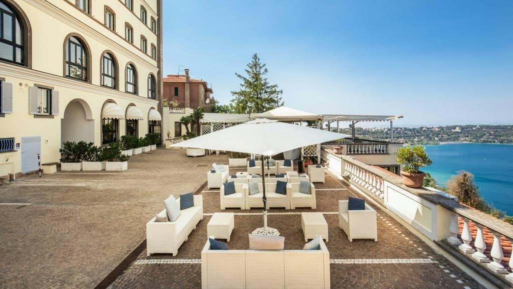 Hotel-Castelvecchio-Castel-Gandolfo-external-11