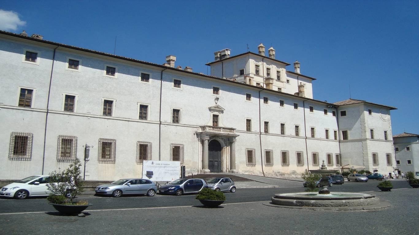 Chigi-palace-Ariccia