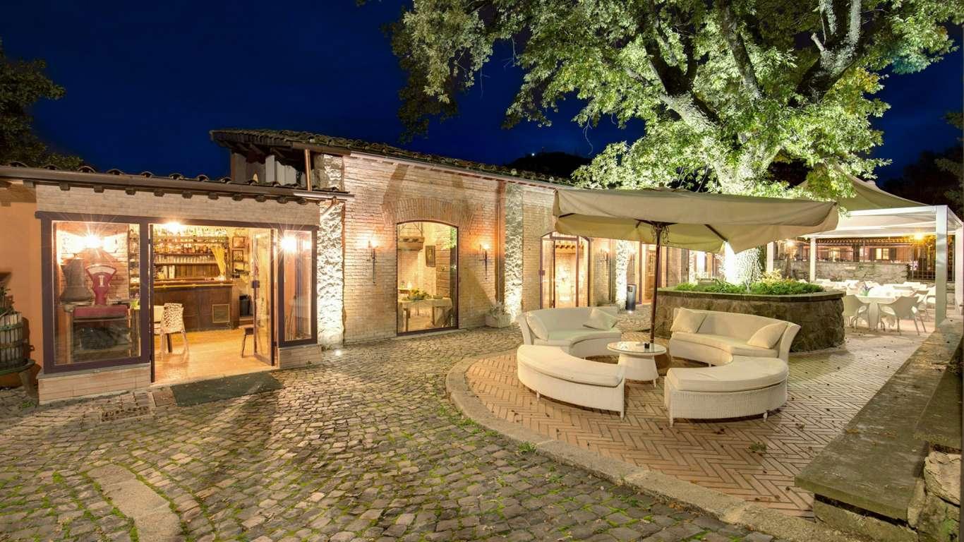 Villa-Del-Cardinale-Rocca-di-Papa-le-scuderie-35