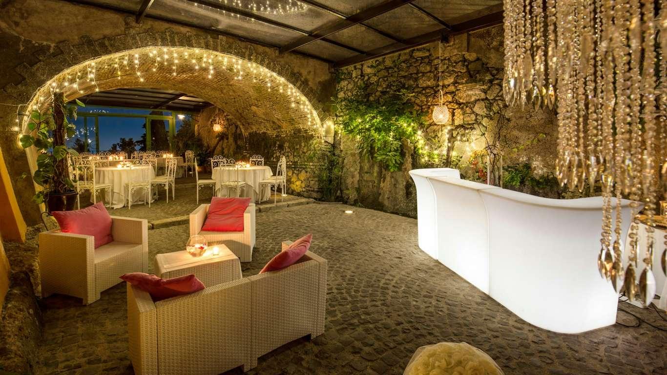 Villa-Del-Cardinale-Rocca-di-Papa-bar-lounge-85