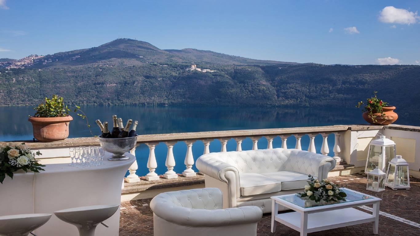 Hotel-Castel-Vecchio-Terrace-Lake-of-Castel-Gandolfo