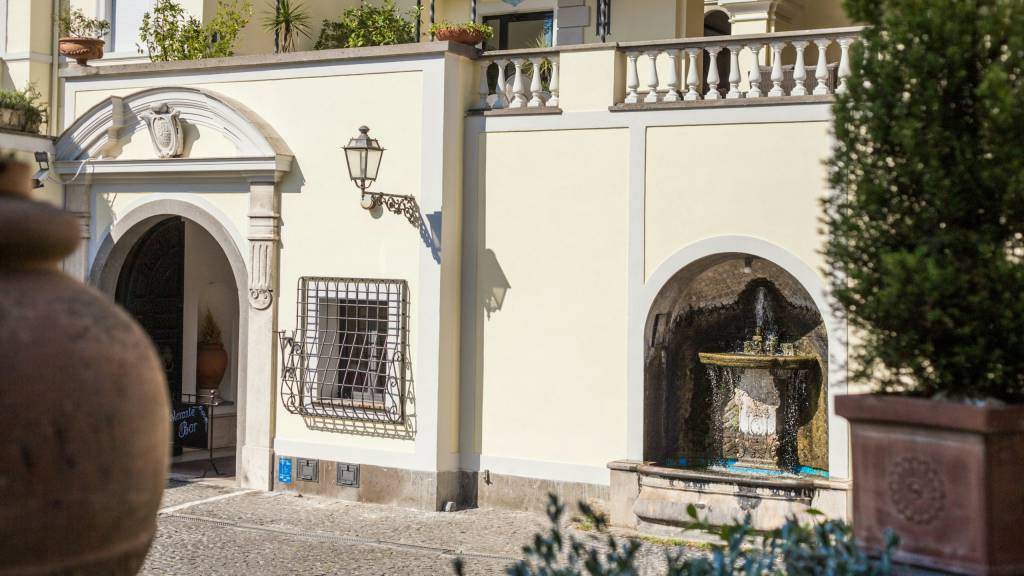 Hotel-Castelvecchio-Castel-Gandolfo-external-23