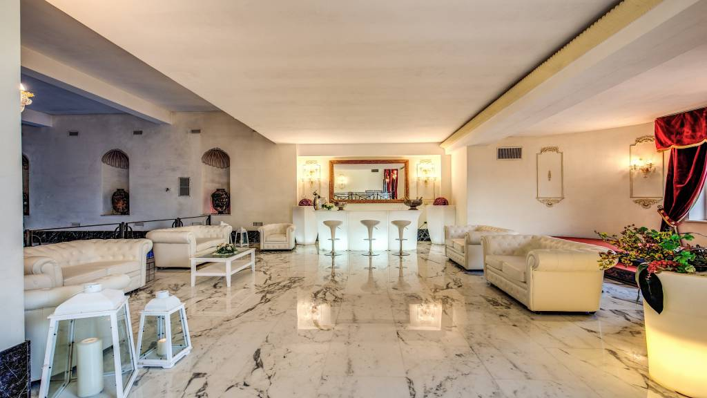 Hotel-Castel-Vecchio-Castel-Gandolfo-Events-carrara-marble-Domiziana-room
