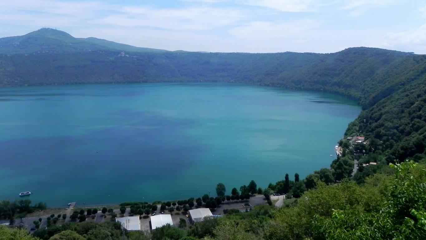Hotel-Castel-Vecchio-Castel-Gandolfo-lake-6