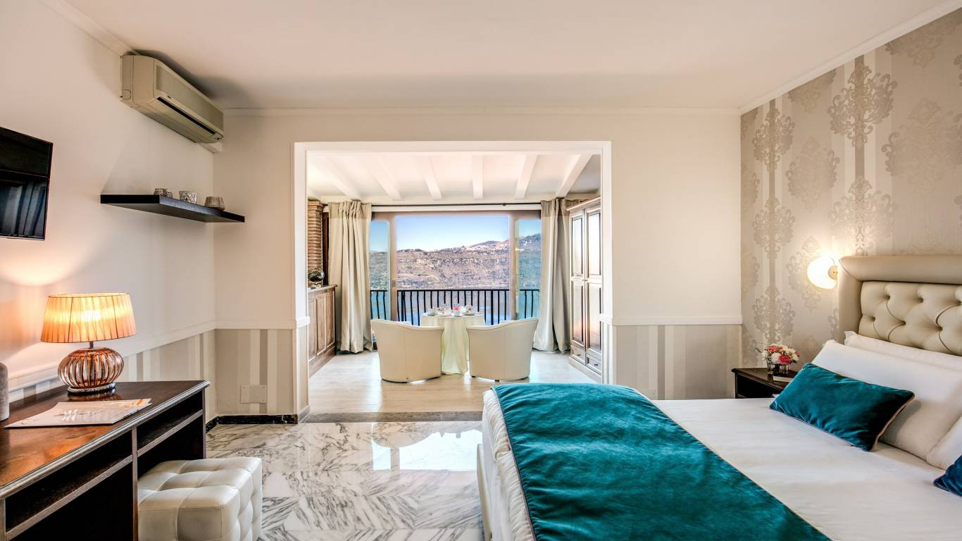 Hotel-Castel-Vecchio-Lake-Albano-Lake-of-Castel-Gandolfo-Camera-Veranda-Lago2