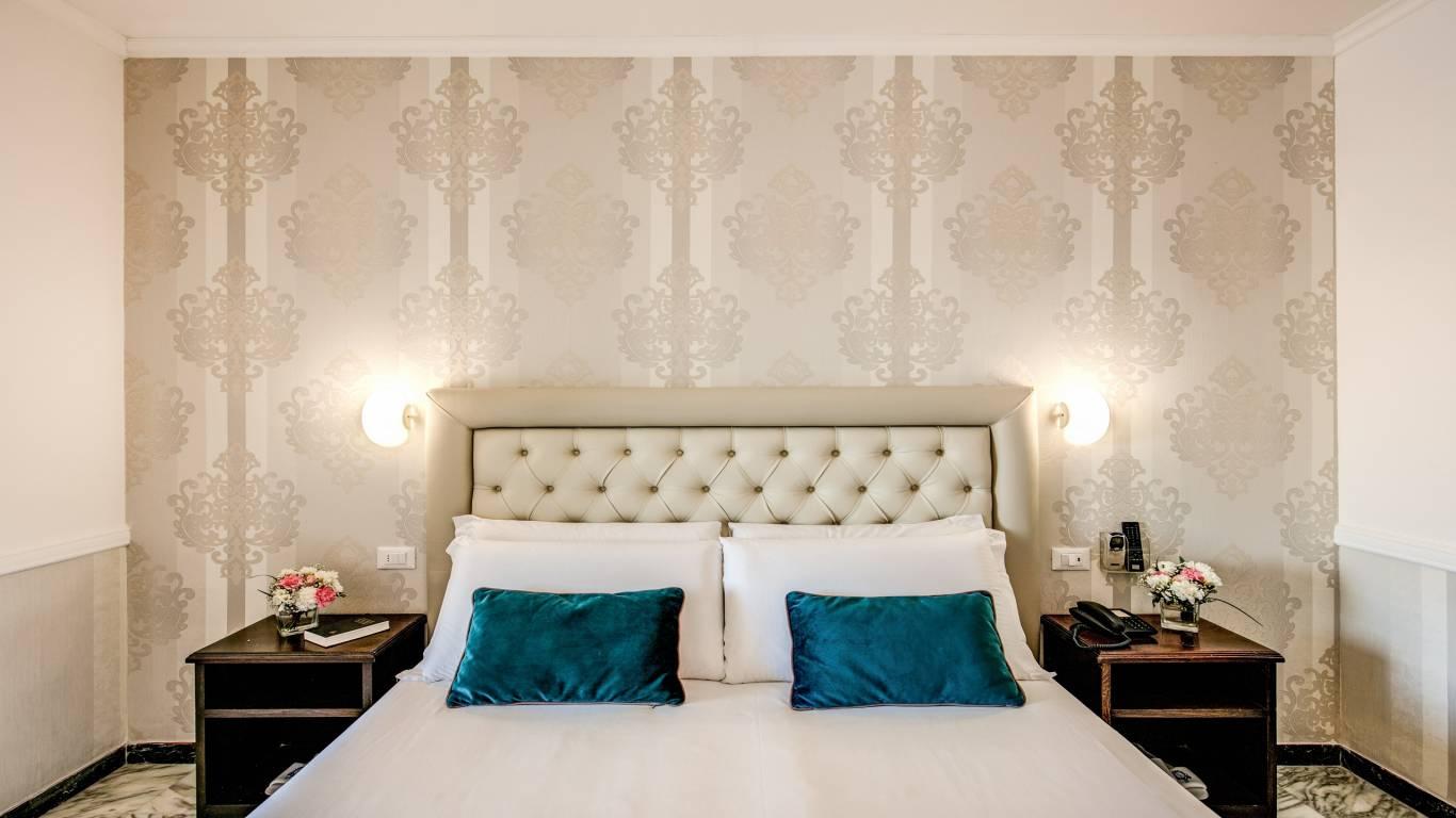 Hotel-Castel-Vecchio-Lake-Albano-Lake-of-Castel-Gandolfo-Camera-Veranda-Lago3