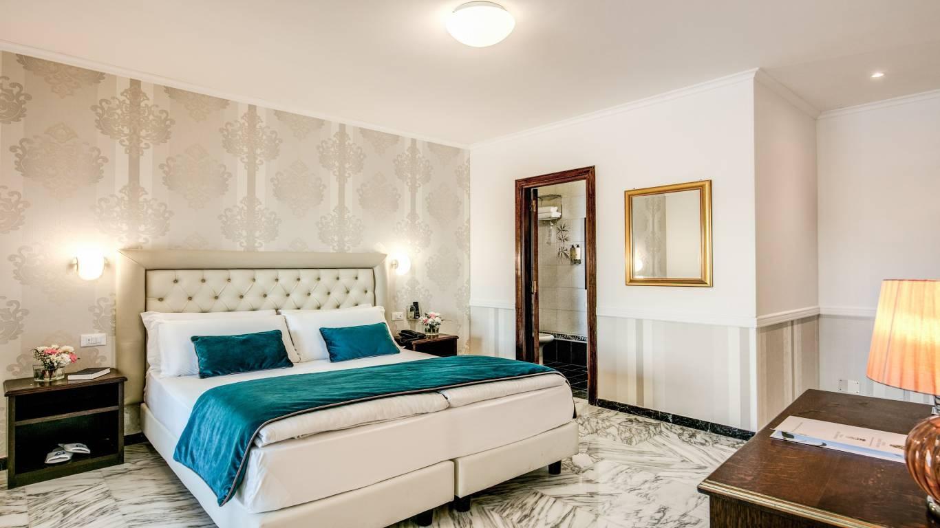 Hotel-Castel-Vecchio-Lake-Albano-Lake-of-Castel-Gandolfo-Camera-Veranda-Lago7