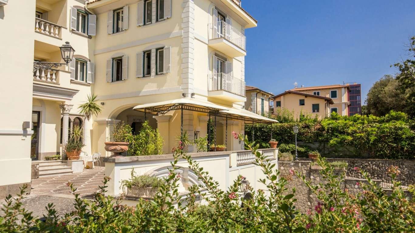 Hotel-Castelvecchio-Castel-Gandolfo-esterni-08