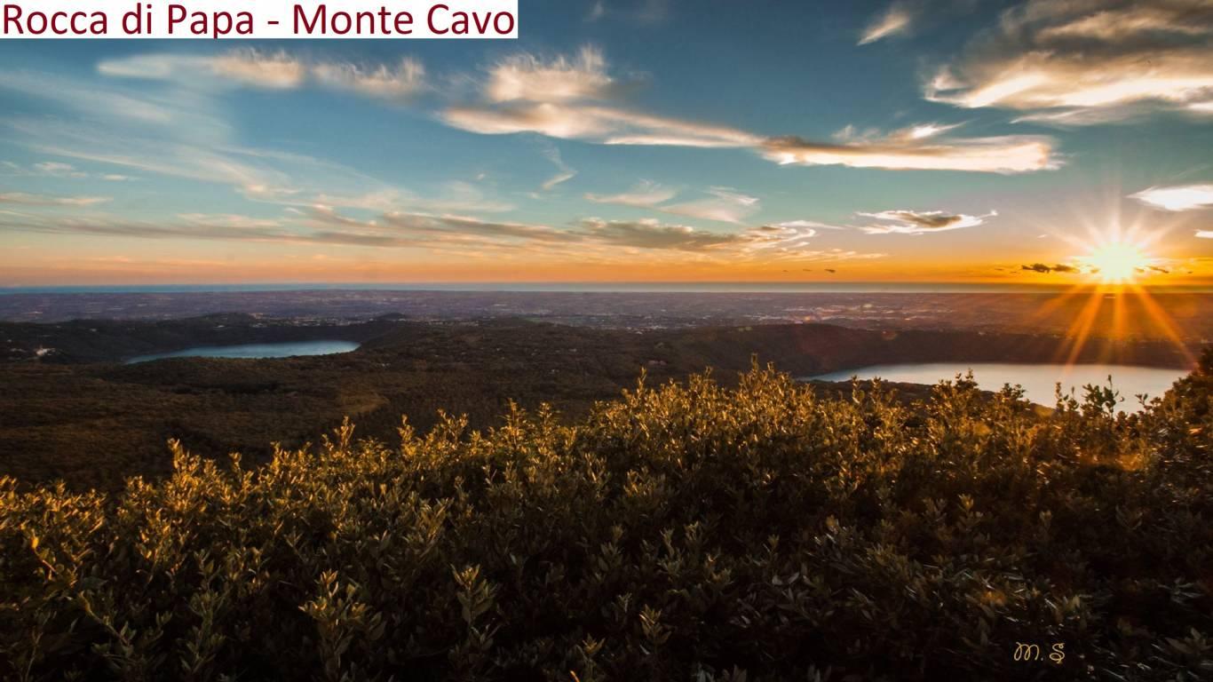 Rocca-di-papa-monte-cavo-tra-i-due-laghi-castel-gandolfo-nemi