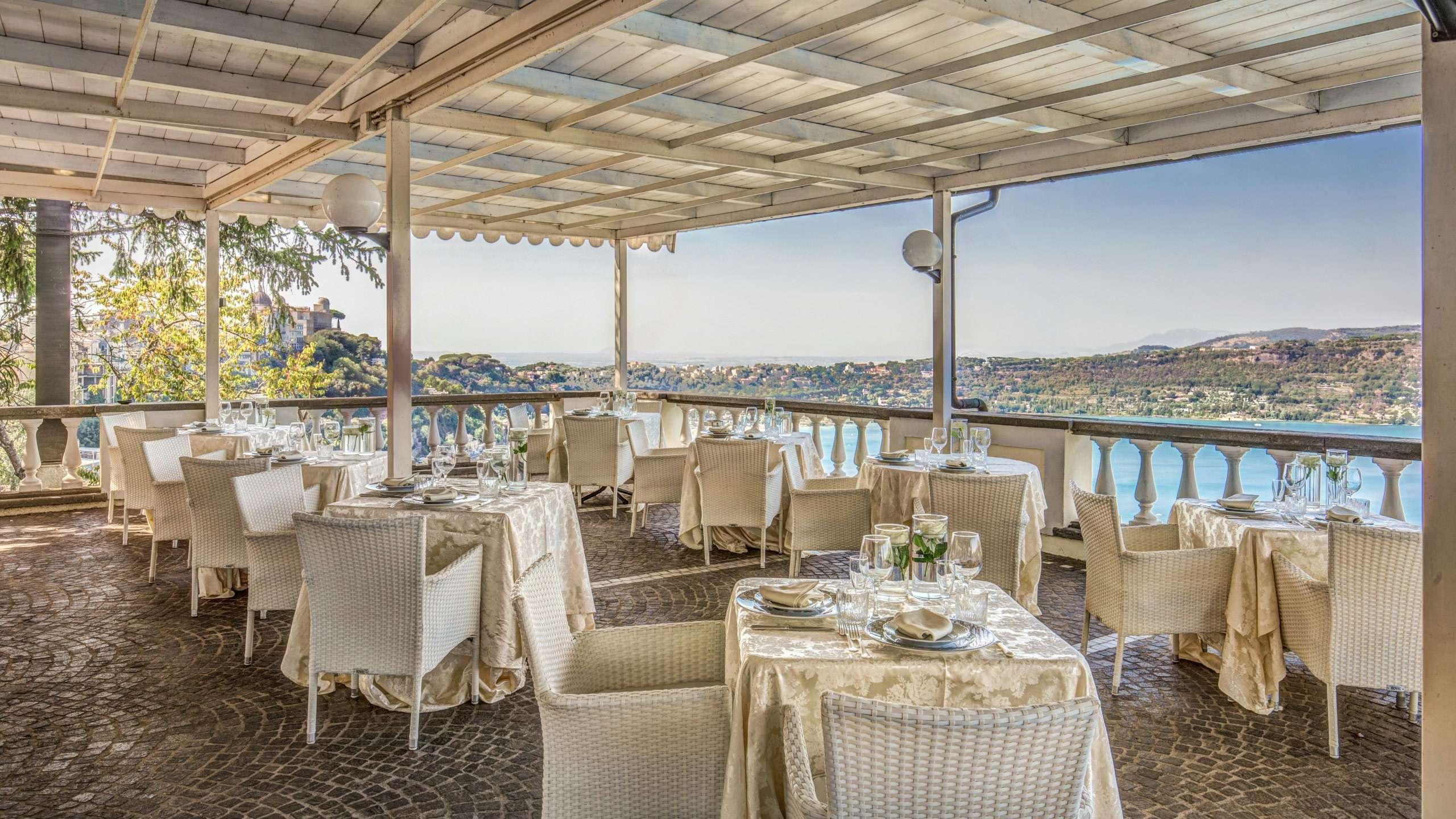 Hotel-Castelvecchio-Castel-Gandolfo-restaurant-16