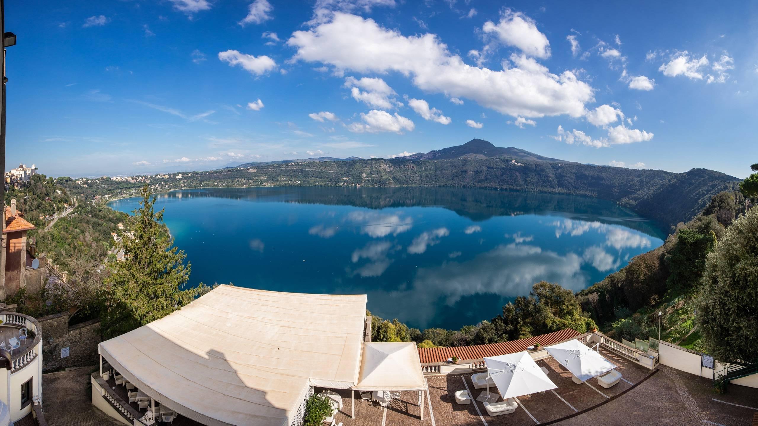 Hotel-Castel-Vecchio-Castel-Gandolfo-lake-evening-sunset-5770