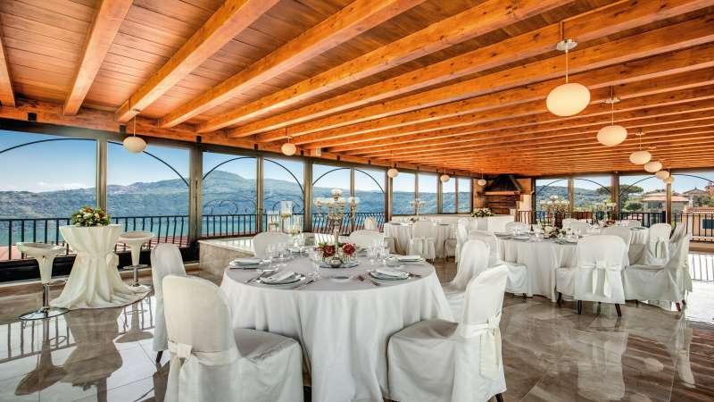 Hotel-Castel-Vecchio-Lago-Albano-Roof-garden-1