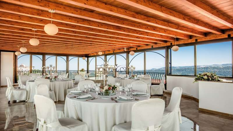 Hotel-Castel-Vecchio-Lago-Albano-Roof-garden-2