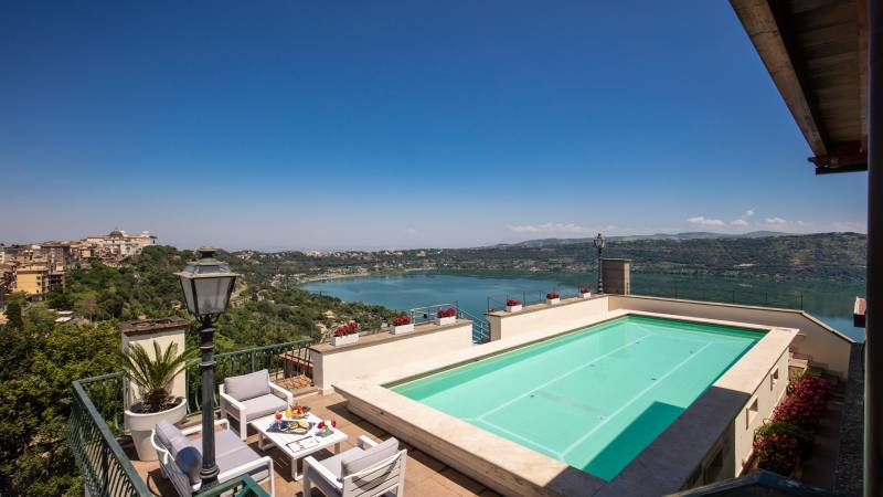 Hotel-Castel-Vecchio-Lago-Albano-Roof-garden-7