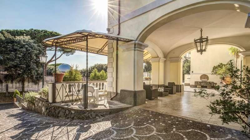Hotel-Castelvecchio-Castel-Gandolfo-esterni-31