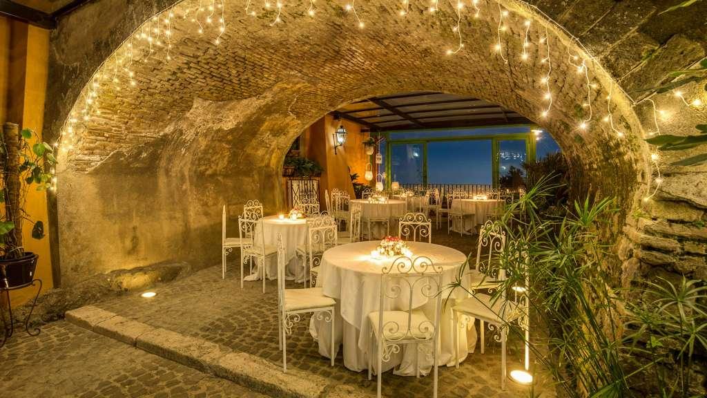 Villa-Del-Cardinale-Rocca-di-Papa-lounge-bar-88