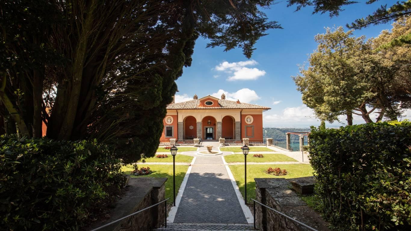 1-Villa-Del-Cardinale-Rocca-di-Papa-Lago-Albano-Giardino-Italiana-1