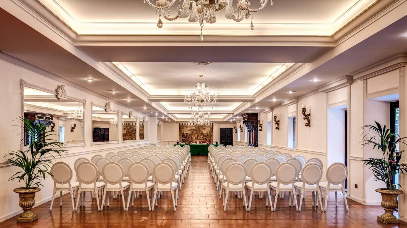 Villa-Del-Cardinale-Lago-Albano-Meeting-4