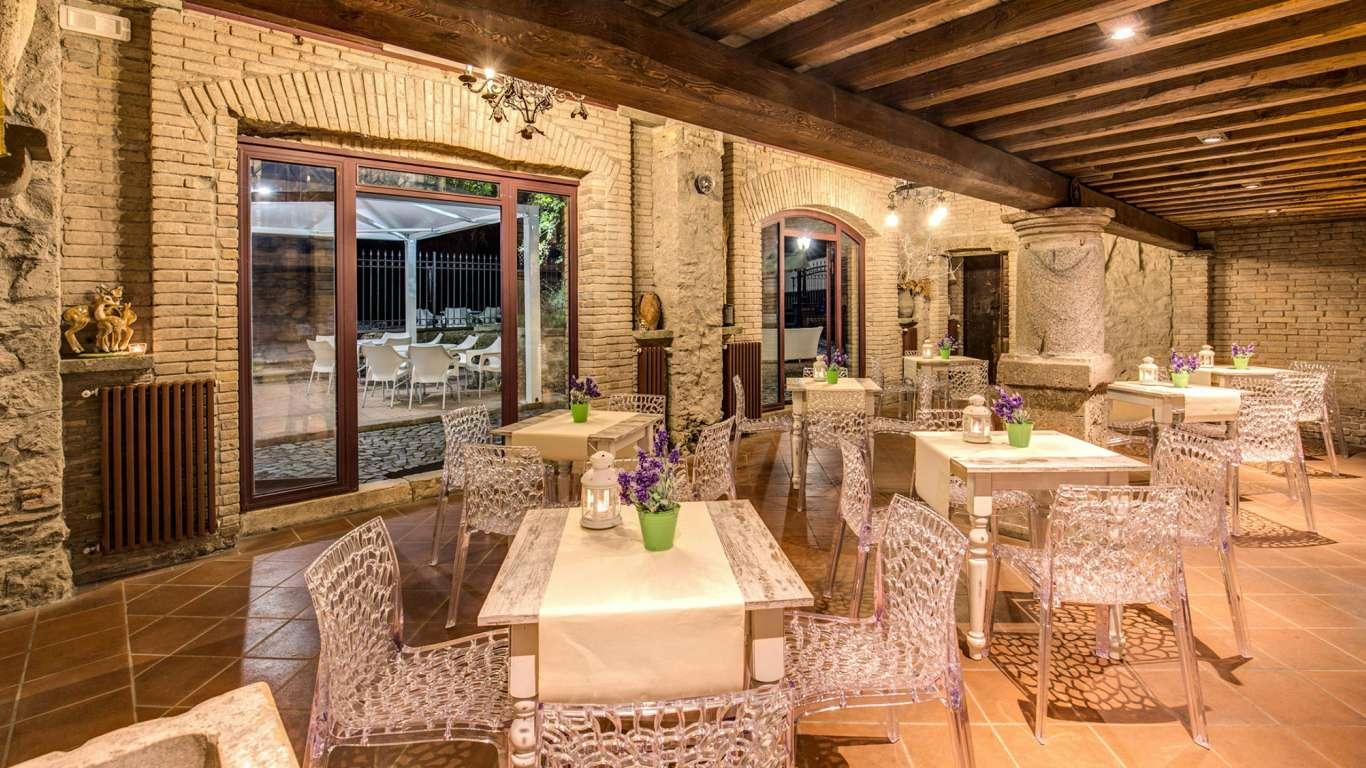 Villa-Del-Cardinale-Rocca-di-Papa-le-scuderie-44