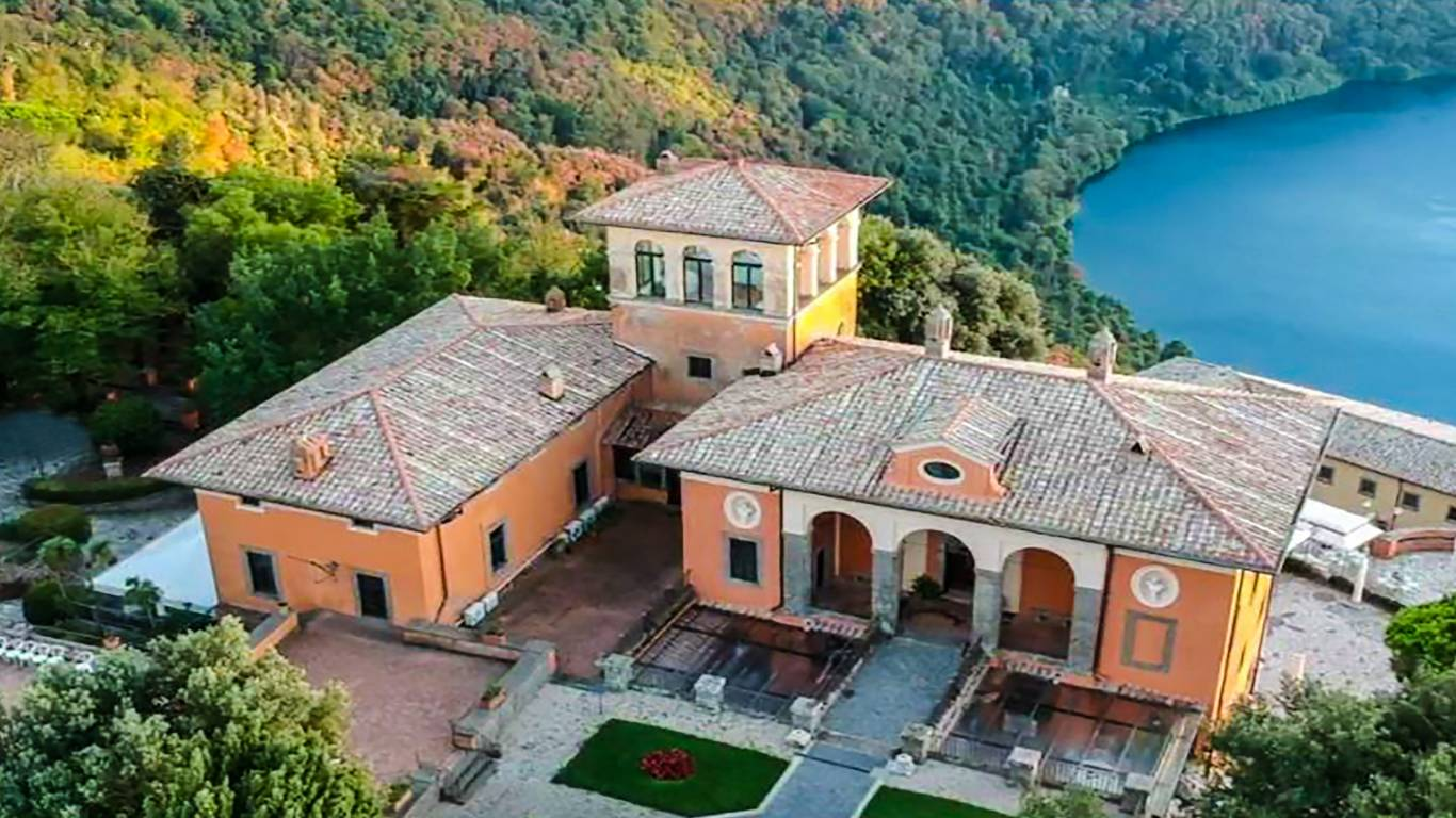 picture-drone-villa-del-cardinale