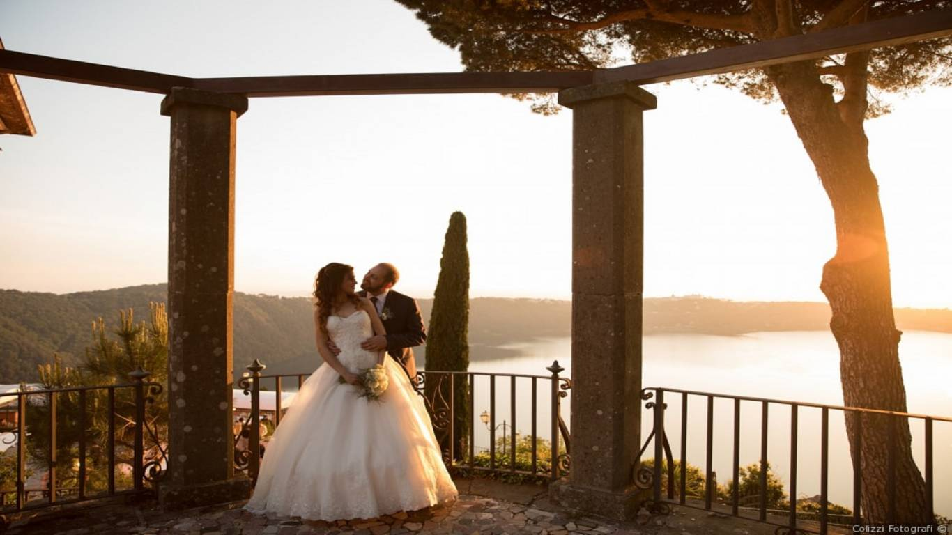 wedding-villa-del-cardinale-location-on-the-lake-for-wedding-sunset