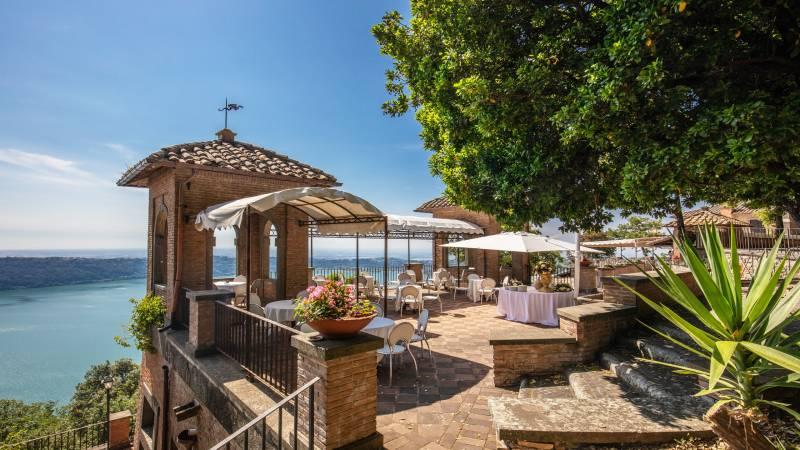 Villa-Del-Cardinale-Lago-Punta-San-Michele-Albano-Meeting-2