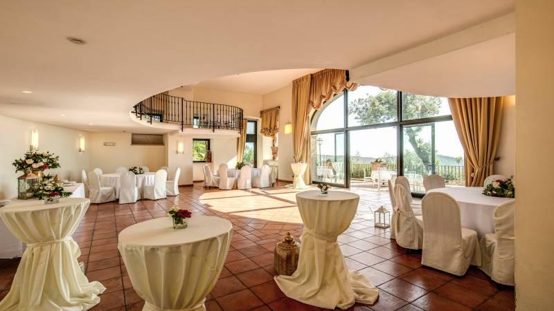 VilladelCardinale-PuntaSanMichele-Meeting-LagodiCastelGandolfo