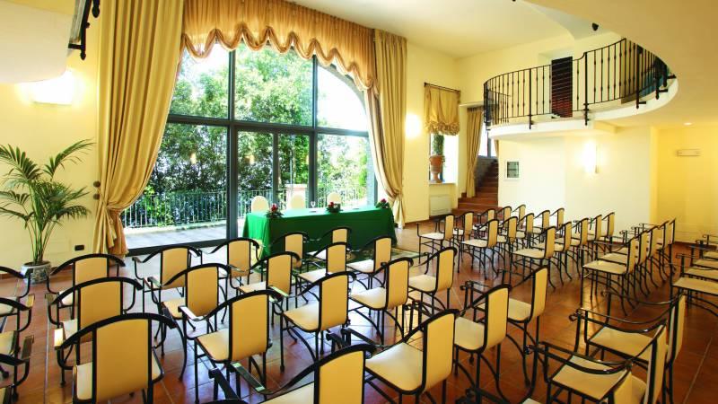 Villa-Del-Cardinale-Rocca-di-Papa-meeting-99