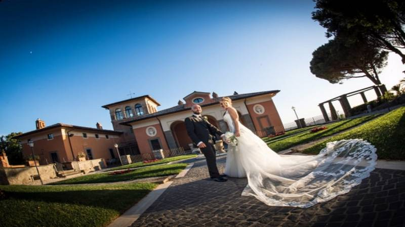 just-married-villa-del-cardinale-location-for-events